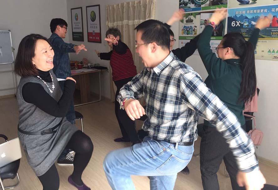 qing_faciltrain_dancing